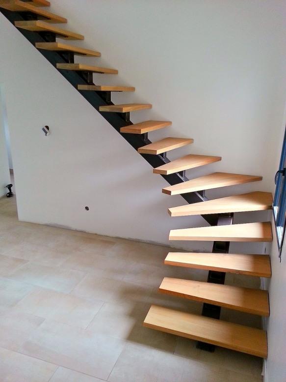 Oise r novation r alisations ii - Escalier avec limon central en bois ...